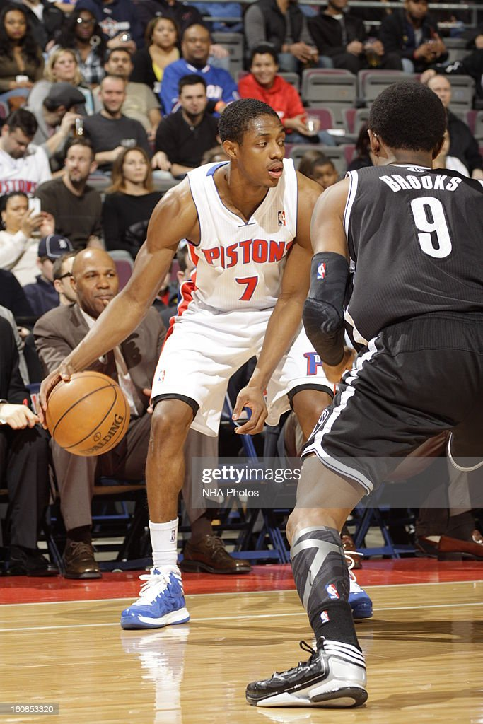 Brandon Knight #7 of the Detroit Pistons controls the ball against <a gi-track='captionPersonalityLinkClicked' href=/galleries/search?phrase=MarShon+Brooks&family=editorial&specificpeople=4884862 ng-click='$event.stopPropagation()'>MarShon Brooks</a> #9 of the Brooklyn Nets on February 6, 2013 at The Palace of Auburn Hills in Auburn Hills, Michigan.