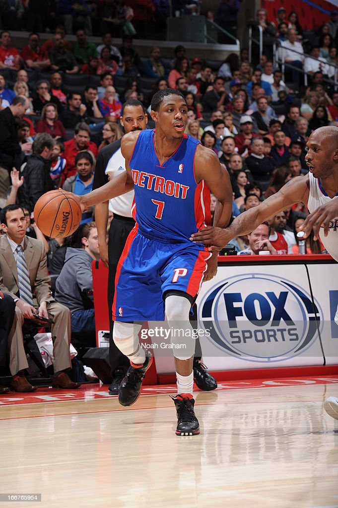 Brandon Knight #7 of the Detroit Pistons dribbles the ball against the Los Angeles Clippers at Staples Center on March 10, 2013 in Los Angeles, California.