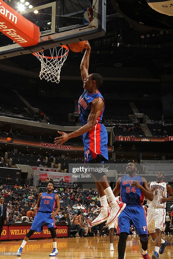 Brandon Knight #7 of the Detroit Pistons dunks against the Charlotte Bobcats at the Time Warner Cable Arena on April 12, 2012 in Charlotte, North Carolina.