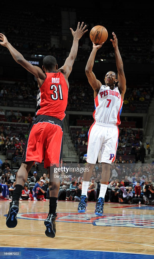 Brandon Knight #7 of the Detroit Pistons goes for a jump shot against <a gi-track='captionPersonalityLinkClicked' href=/galleries/search?phrase=Terrence+Ross&family=editorial&specificpeople=6781663 ng-click='$event.stopPropagation()'>Terrence Ross</a> #31 of the Toronto Raptors during the game between the Detroit Pistons and the Toronto Raptors on March 29, 2013 at The Palace of Auburn Hills in Auburn Hills, Michigan.