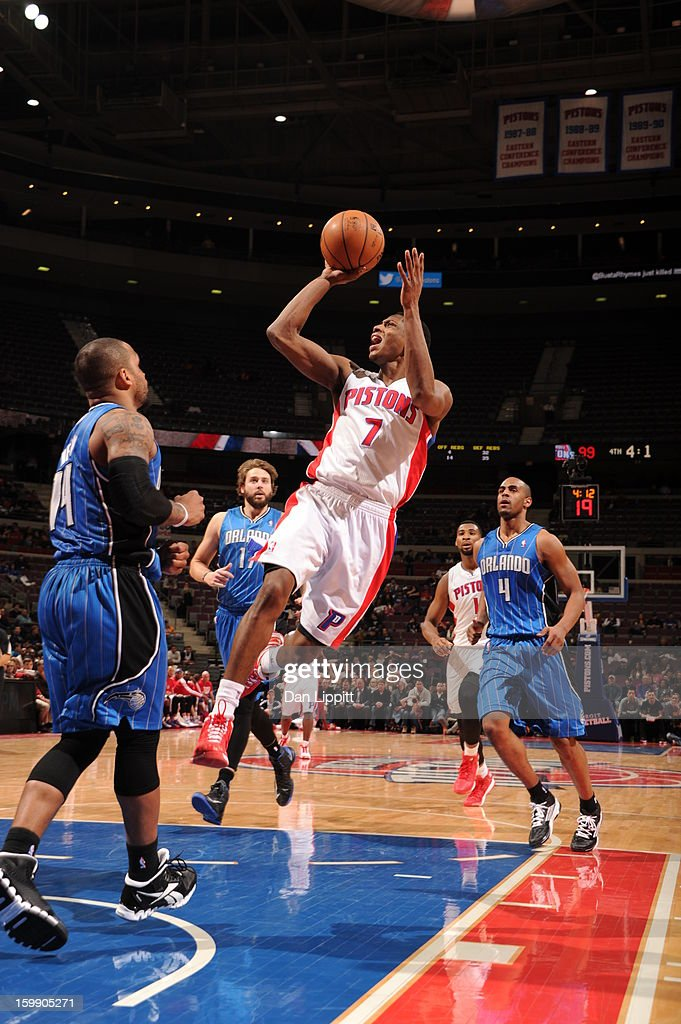 Brandon Knight #7 of the Detroit Pistons shoots against <a gi-track='captionPersonalityLinkClicked' href=/galleries/search?phrase=Jameer+Nelson&family=editorial&specificpeople=202057 ng-click='$event.stopPropagation()'>Jameer Nelson</a> #14 of the Orlando Magic on January 22, 2013 at The Palace of Auburn Hills in Auburn Hills, Michigan.