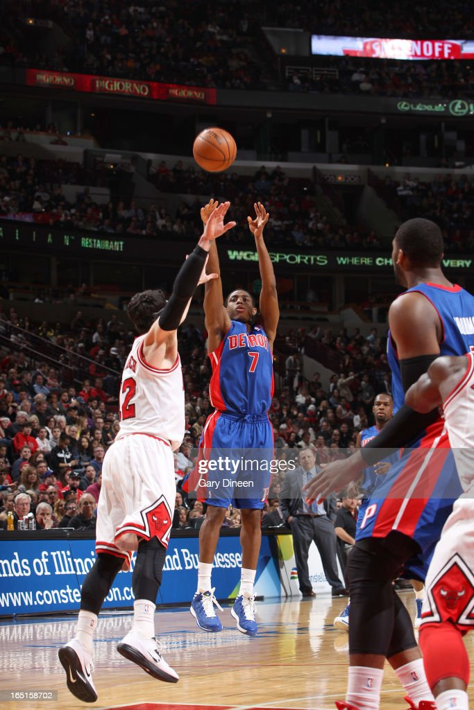 Brandon Knight #7 of the Detroit Pistons shoots over <a gi-track='captionPersonalityLinkClicked' href=/galleries/search?phrase=Kirk+Hinrich&family=editorial&specificpeople=201629 ng-click='$event.stopPropagation()'>Kirk Hinrich</a> #12 of the Chicago Bulls on March 31, 2013 at the United Center in Chicago, Illinois.