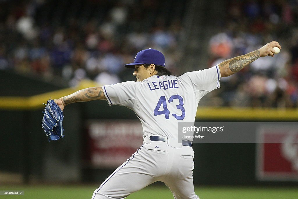 <a gi-track='captionPersonalityLinkClicked' href=/galleries/search?phrase=Brandon+League&family=editorial&specificpeople=809191 ng-click='$event.stopPropagation()'>Brandon League</a> #43 of the Los Angeles Dodgers delivers a pitch against the Arizona Diamondbacks in the ninth at Chase Field on April 12, 2014 in Phoenix, Arizona.