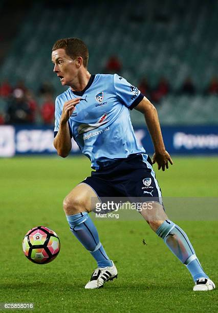 Brandon O'Neill of Sydney FC controls the ball during the round eight ALeague match between Sydney FC and Adelaide United at Allianz Stadium on...
