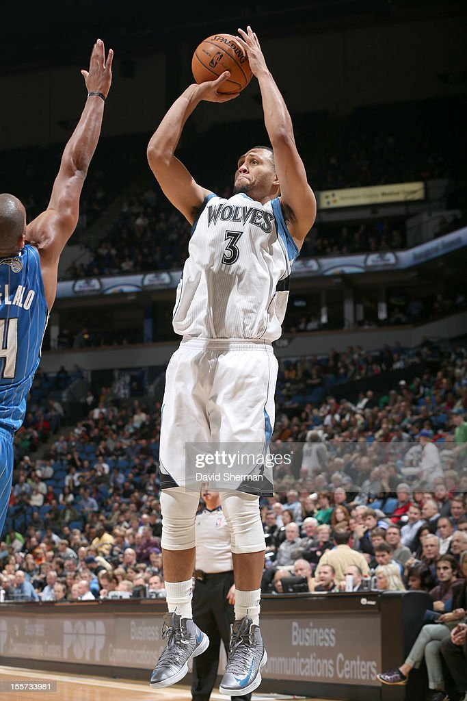 Brandon Roy #3 of the Minnesota Timberwolves shoots a jumper during the game between the Minnesota Timberwolves and the Orlando Magic on November 7, 2012 at Target Center in Minneapolis, Minnesota.