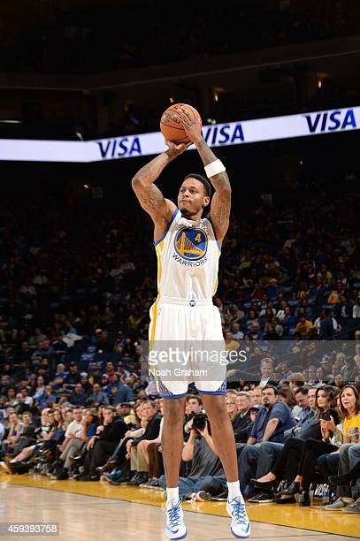 Brandon Rush of the Golden State Warriors shoots against the Utah Jazz on November 21 2014 at ORACLE Arena in Oakland California NOTE TO USER User...