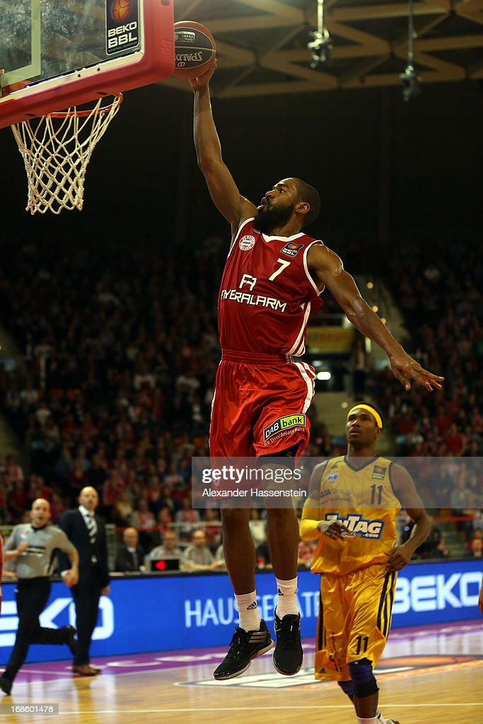 Brandon Thomas of Muenchen shoots against Derrick Byars of Berlin during Game 3 of the quarterfinals of the Beko Basketball Playoffs between FC Bayern Muenchen and ALBA Berlin at Audi-Dome on May 12, 2013 in Munich, Germany.