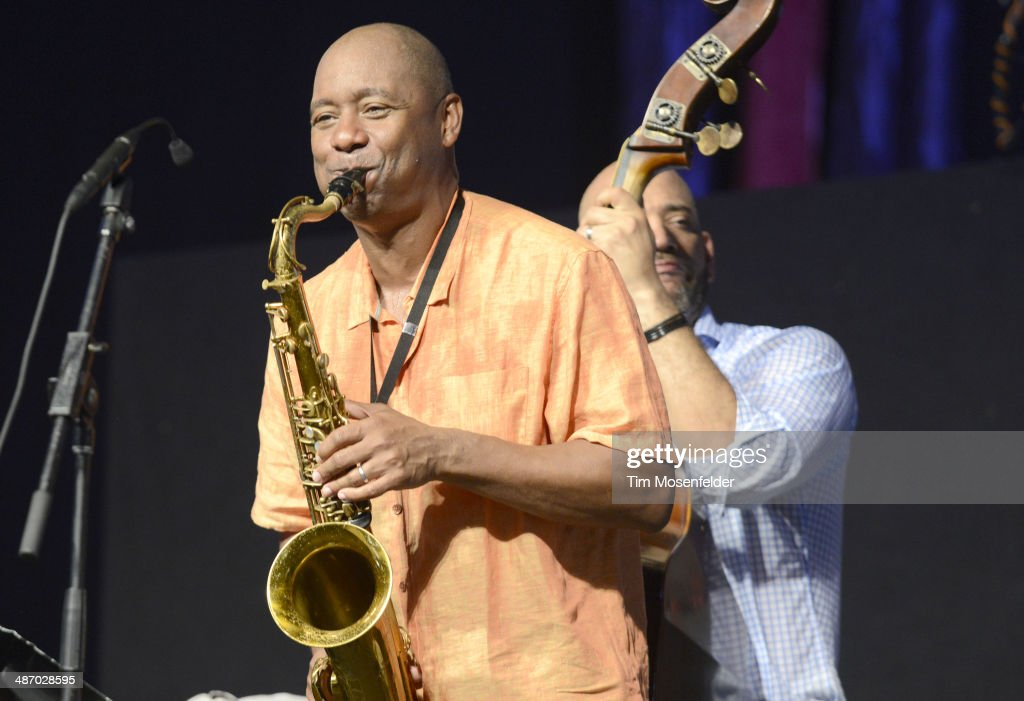 <a gi-track='captionPersonalityLinkClicked' href=/galleries/search?phrase=Branford+Marsalis&family=editorial&specificpeople=212811 ng-click='$event.stopPropagation()'>Branford Marsalis</a> performs during the 2014 New Orleans Jazz & Heritage Festival Day 2 at Fair Grounds Race Course on April 26, 2014 in New Orleans, Louisiana.