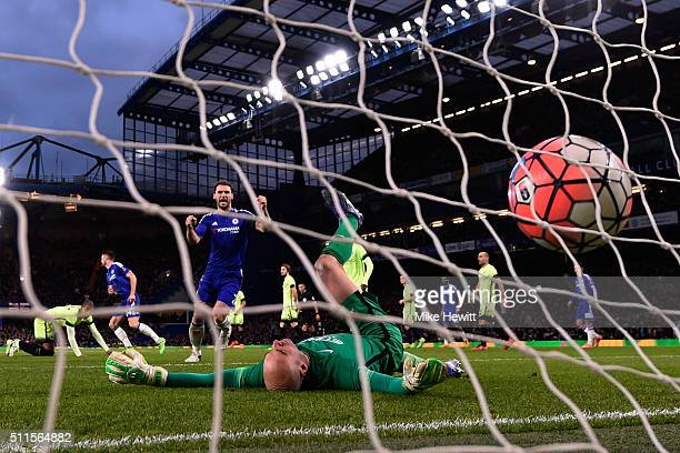 Branislav Ivanovic of Chelsea celebrates after teammate Gary Cahill of Chelsea scores his team's third goal past goalkeeper Wilfredo Caballero of...