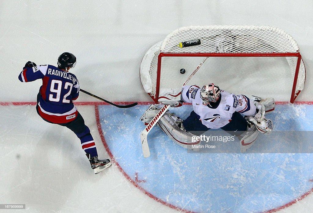 France v Slovakia - 2013 IIHF Ice Hockey World Championship
