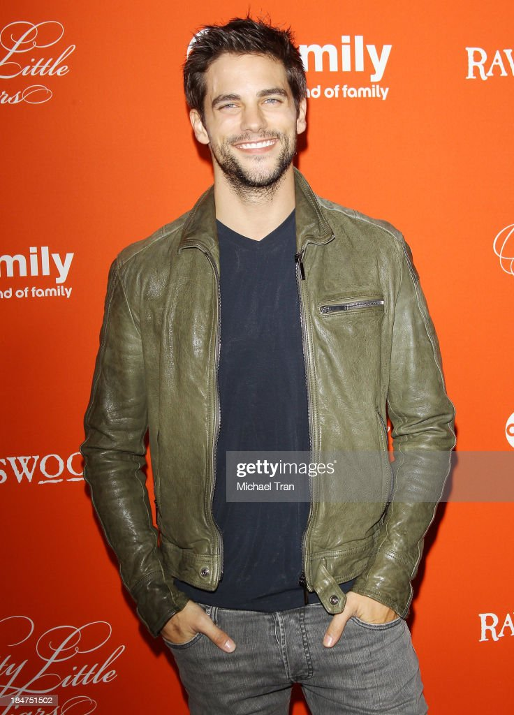 <a gi-track='captionPersonalityLinkClicked' href=/galleries/search?phrase=Brant+Daugherty&family=editorial&specificpeople=7313465 ng-click='$event.stopPropagation()'>Brant Daugherty</a> arrives at the 'Pretty Little Liars' celebrates Halloween episode held at Hollywood Forever on October 15, 2013 in Hollywood, California.