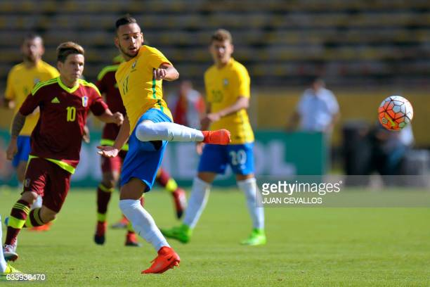 Brasil's player David Neres vies for the ball with Venezuela's player Yeferson Soteldo during their South American Championship U20 football match at...