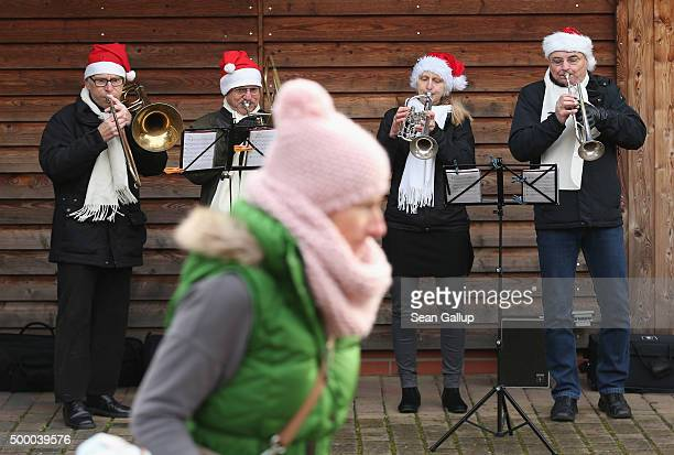 A brass quartet performs at the Werderaner Tannenhof Christmas tree farm on December 5 2015 in Werder Germany The Christmas season is in high gear in...