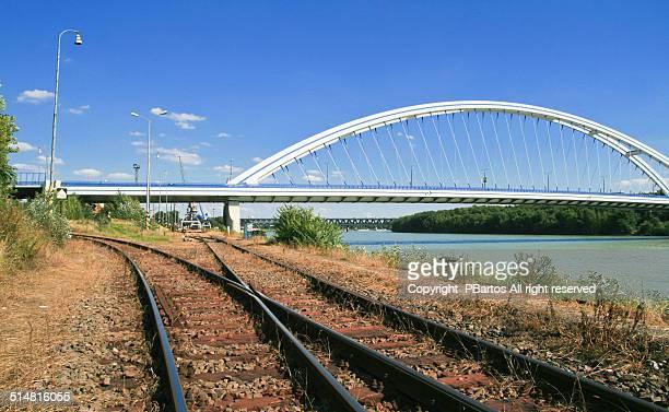Bratislava Apollo bridge arcs
