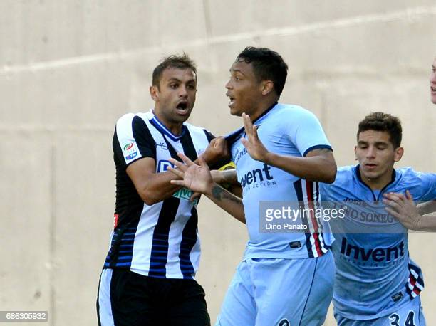 Brawl between Danilo Larangeira of Udinese Calcio and Luis Fernando Muriel of UC Sampdoria after the muriel's goal during the Serie A match between...