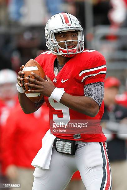 Braxton Miller of the Ohio State Buckeyes throws the ball during the game against the Illinois Fighting Illini on November 3 2012 at Ohio Stadium in...