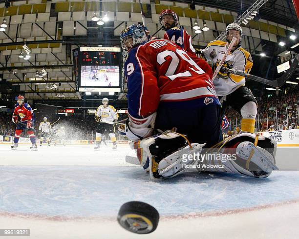 Brayden Schenn of the Brandon Wheat Kings scores a goal on Nicola Riopel of the Moncton Wildcats during the 2010 Mastercard Memorial Cup Tournament...