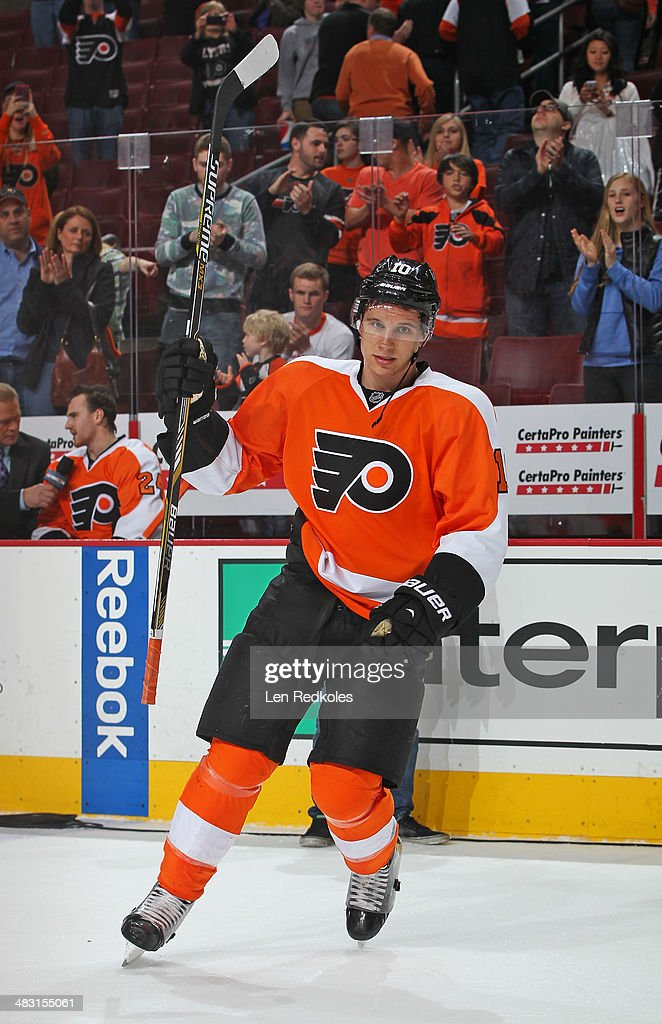 <a gi-track='captionPersonalityLinkClicked' href=/galleries/search?phrase=Brayden+Schenn&family=editorial&specificpeople=4782304 ng-click='$event.stopPropagation()'>Brayden Schenn</a> #10 of the Philadelphia Flyers salutes the crowd after scoring 2 goals and being named the #1 star in a 5-2 victory over the Buffalo Sabres on April 6, 2014 at the Wells Fargo Center in Philadelphia, Pennsylvania.