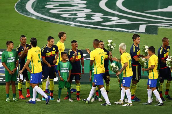 Brazil v Colombia - Friendly Match In Memory of Associacao Chapecoense de Futebol : Fotografía de noticias