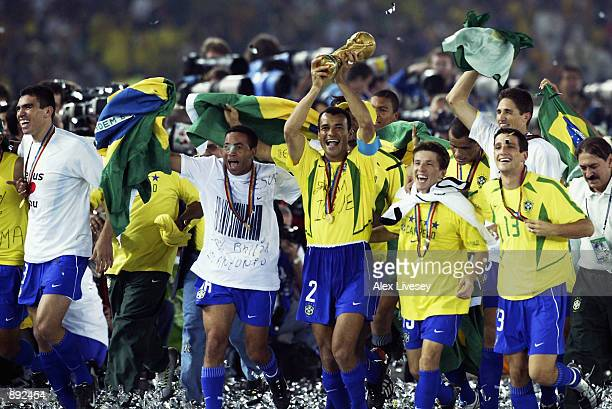 Brazil celebrate as Cafu lfts the trophy after the Germany v Brazil World Cup Final match played at the International Stadium Yokohama in Yokohama...