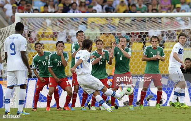 JANEIRO Brazil Italy midfielder Andrea Pirlo scores on a free kick in the 27th minute of soccer's Confederations Cup Group A game against Mexico in...