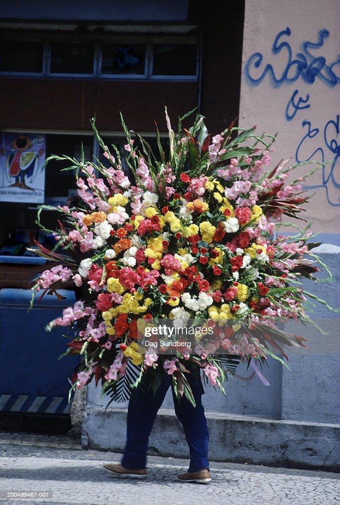 Brazil, Rio de Janeiro, flower delivery, close-up