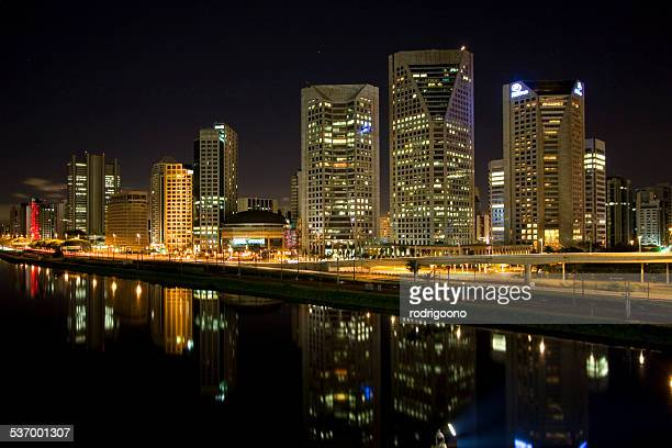 Brazil, Sao Paulo State, Sao Paulo, Itaim Bibi Financial District, View of city and river at night