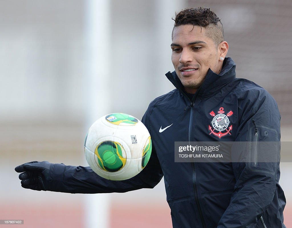 Brazilian club team Corinthians forward Paolo Guerrero plays with the ball during the team's football training session in Kariya, Aichi prefecture on December 8, 2012 while participating in the FIFA Club World Cup in Japan 2012. The ninth edition of the FIFA Club World Cup football tournament is taking place from December 6 to 16.