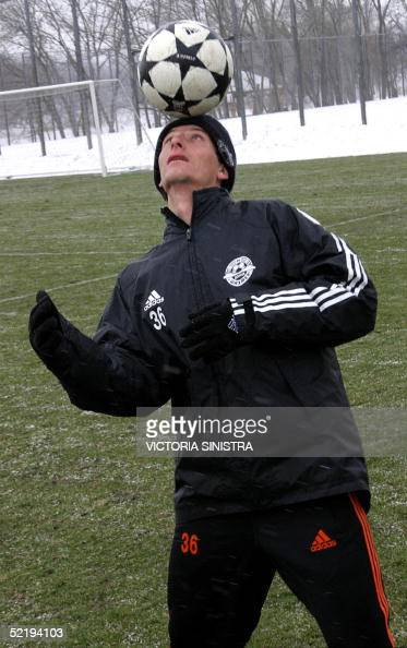 Brazilian Elano Blumer new player of former Santos FC plays with a ball during his first training session in Shakhtar FC base in Donetsk 12 February...