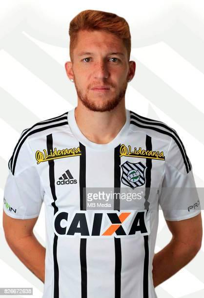 Brazilian Football League Serie B 2017 / 'n 'nWeverton Almeida Santos ' Ferrugem '