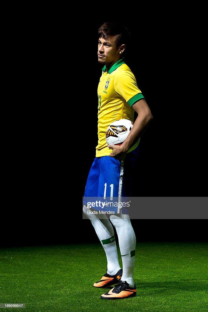 Neymar Boot Lau...
