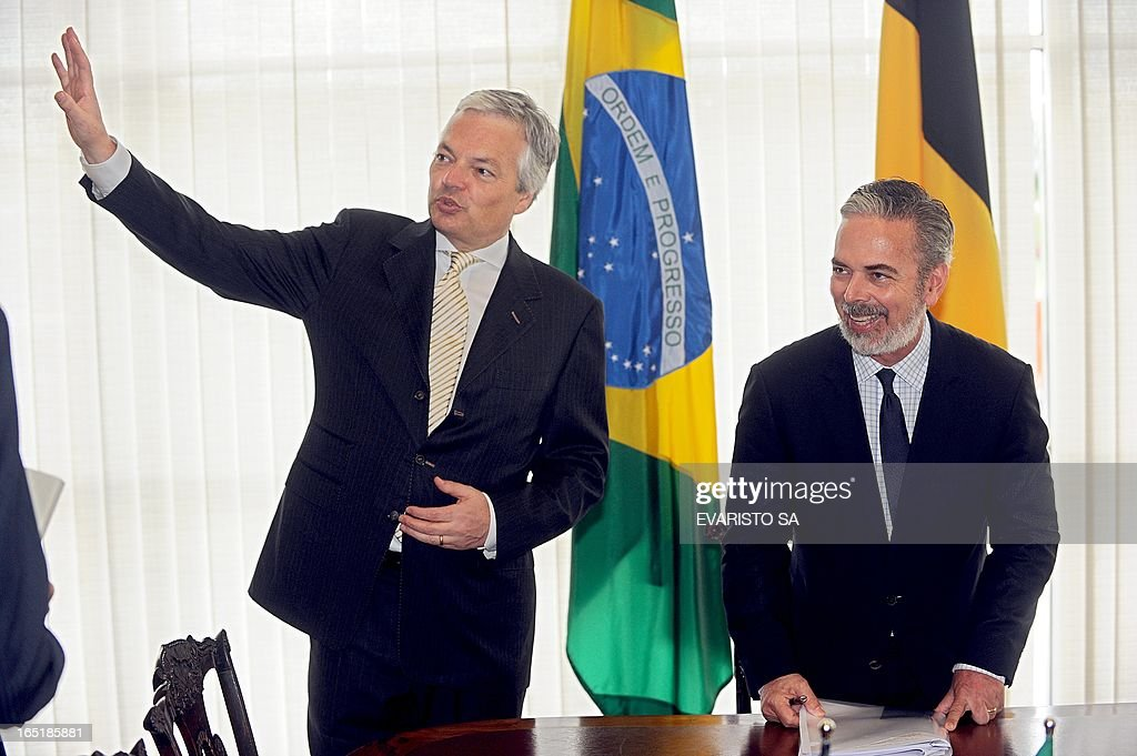 Brazilian Foreign Minister Antonio Patriota (R) and Belgium's Minister of Foreign Affairs, Foreign Trade and European Affairs, Didier Reynders, talk during a meeting at Itamaraty Palace in Brasilia, on April 1, 2013. Reynders is on a four-day visit to Brazil to disccuss the bilateral agenda. AFP PHOTO / Evaristo SA