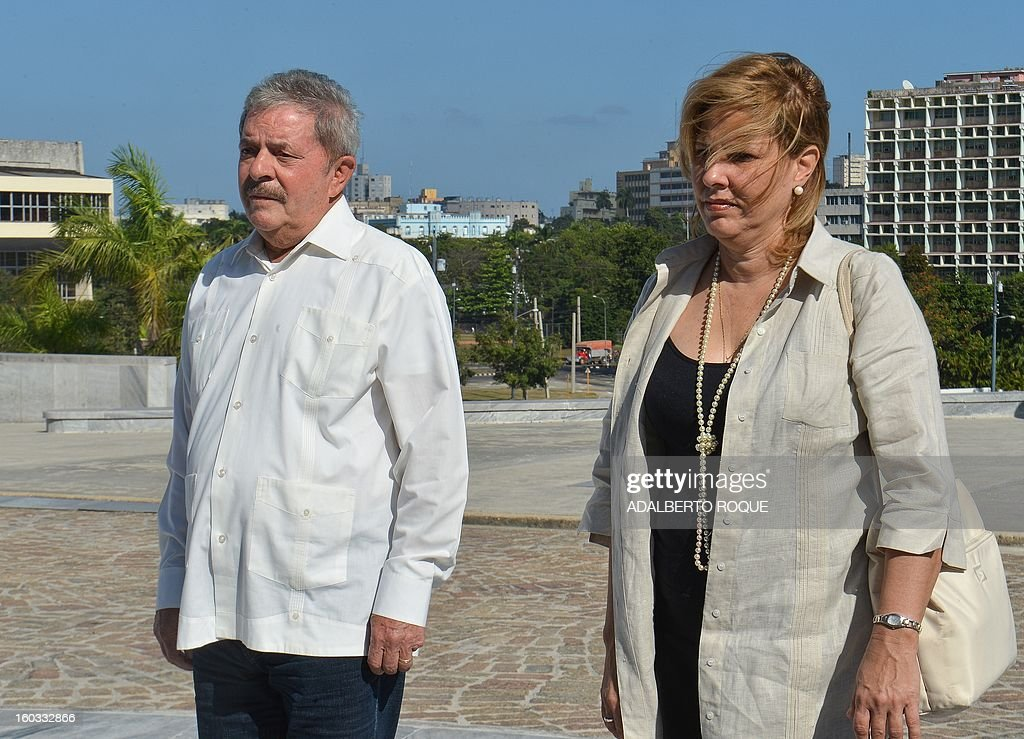 Brazilian former President Luiz Inacio Lula da Silva takes part in a wreath-laying ceremony at the Jose Marti monument at Revolution Square in Havana, on January 29, 2013. Lula is in Cuba to participate in the 3rd International Meeting for the Balanced World. AFP PHOTO/ADALBERTO ROQUE