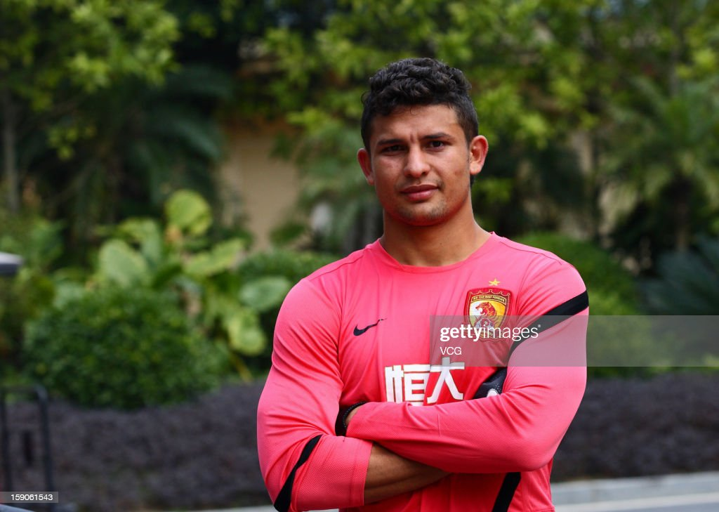 Brazilian midfielder Elkeson of Guangzhou Evergrande attends a training session at Qingyuan football base on January 7, 2013 in Qingyuan, China.