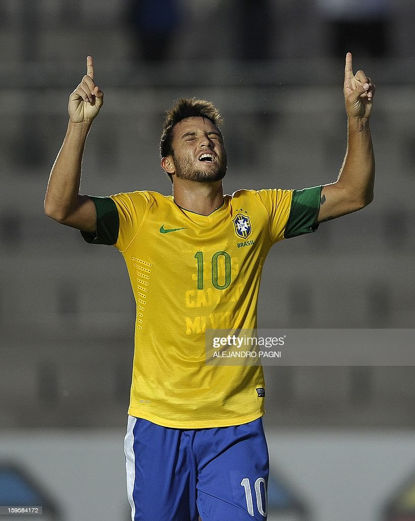 Brazilian midfielder Felipe Anderson celebrates after scoring a goal against Venezuela during their South American U-20 Championship Group B qualifier football match, at the Bicentenario stadium in San Juan, Argentina, on January 16, 2013. Four South American teams will qualify for the FIFA U-20 World Cup Turkey 2013.