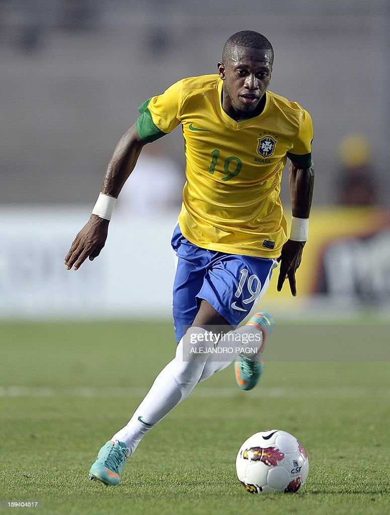 Brazilian midfielder Fred controls the ball during their South American U-20 Championship Group B football match against Uruguay, at Bicentenario stadium in San Juan, Argentina, on January 12, 2013. Four South American teams will qualify for the FIFA U-20 World Cup Turkey 2013. Uruguay won 3-2.