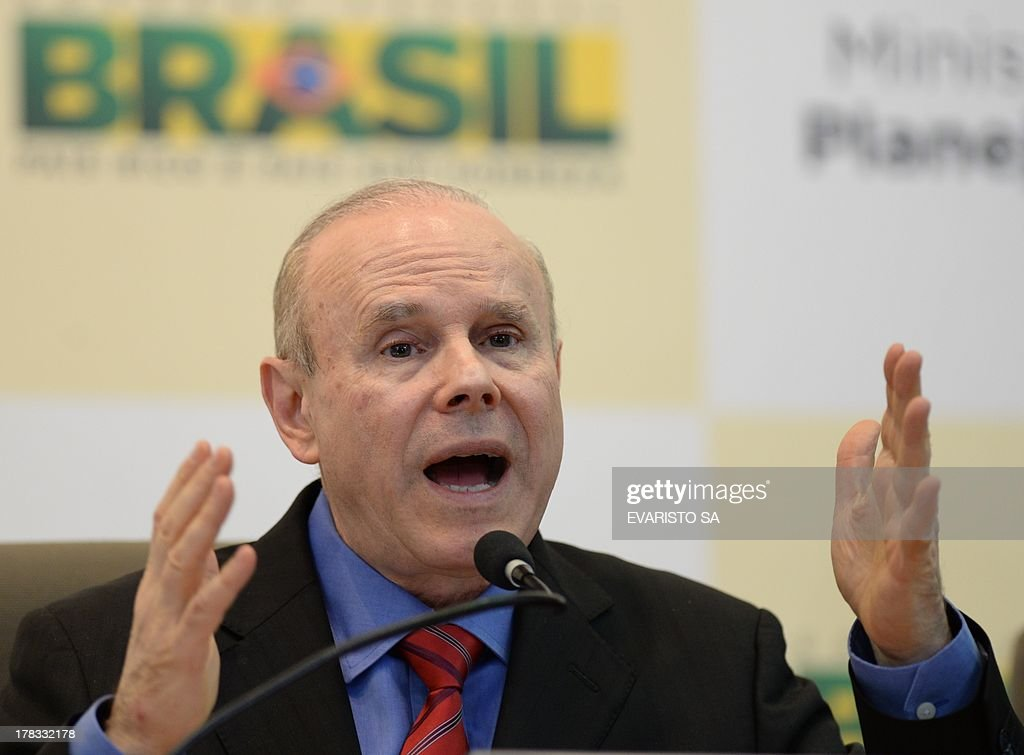 Brazilian Minister of Economy, Guido Mantega during a press conference talking about the increase in the budget for 2014, in Brasilia on August 29, 2013. . AFP PHOTO/Evaristo SA