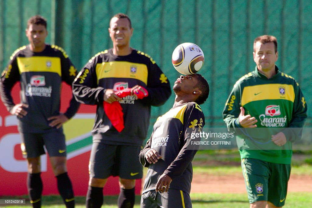 Brazilian national team football players, from left, Josue, Luis Fabiano, Kleberson and coach Dunga attend training on May 28, 2010 at the Randburg High School in Johannesburg ahead of the June 11 to July 11 FIFA World Cup in South Africa.