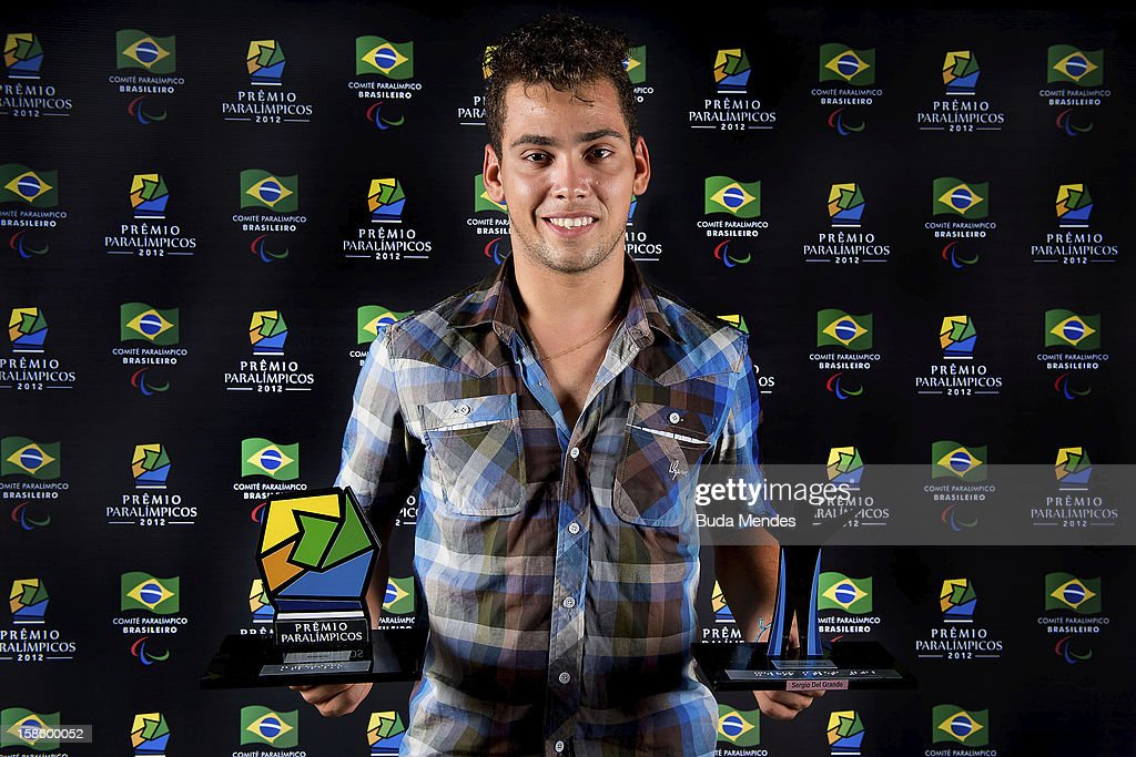 Brazilian paralympic Alan Fonteles pose for a photo during the ceremony of Brazil Paralympics Awards 2012 at the Marina da Gloria on December 19, 2012 in Rio de Janeiro, Brazil.
