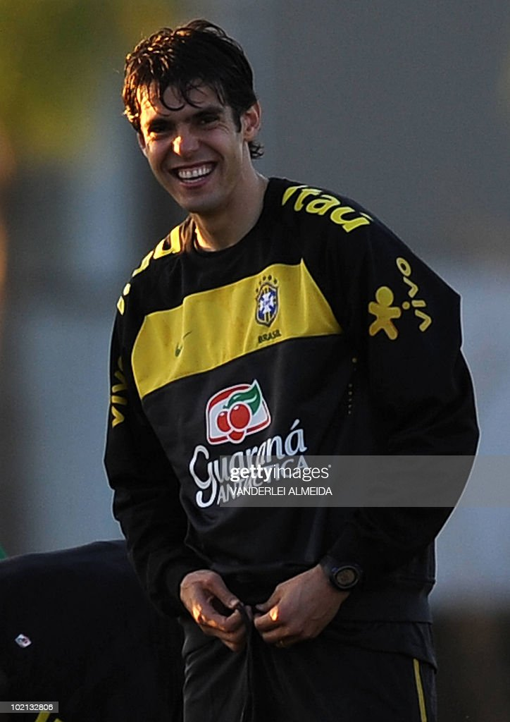 Brazilian player Kaka smiles during the last day of training in the southern Brazilian city of Curitiba on May 25, 2010. Brazil, five-time world champion, is among the favourites for the South Africa 2010 World Cup which starts on June 11th. AFP PHOTO/Vanderlei ALMEIDA