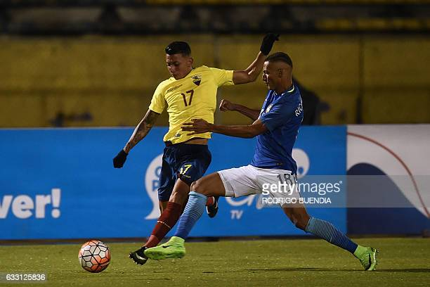 Brazilian player Richarlison vies for the ball with Ecuadorian player Joao Rojas during their South American Championship U20 football match in the...