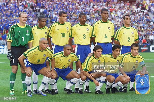 Brazilian players pose for the official team picture 12 July at the Stade de France in SaintDenis before their 1998 World Cup final match against...