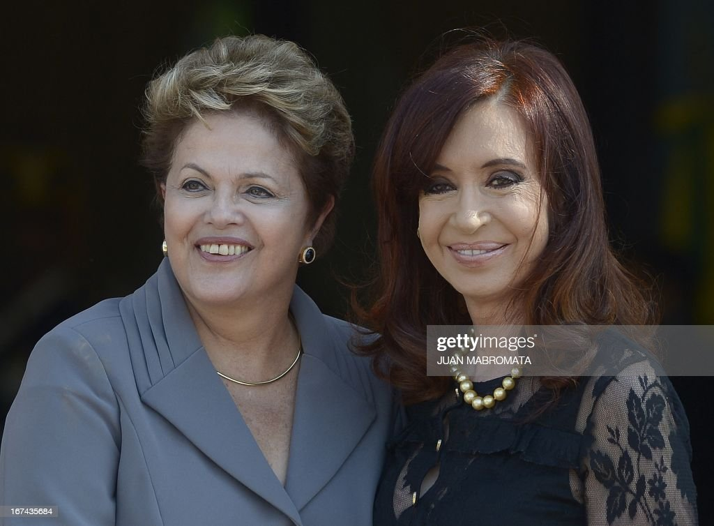 Brazilian President Dilma Rousseff (L) meet with Argentine President Cristina Fernandez de Kirchner at Government Palace in Buenos Aires on April 25, 2013. Rousseff is on one-day official visit in Argentina. AFP PHOTO/Juan Mabromata