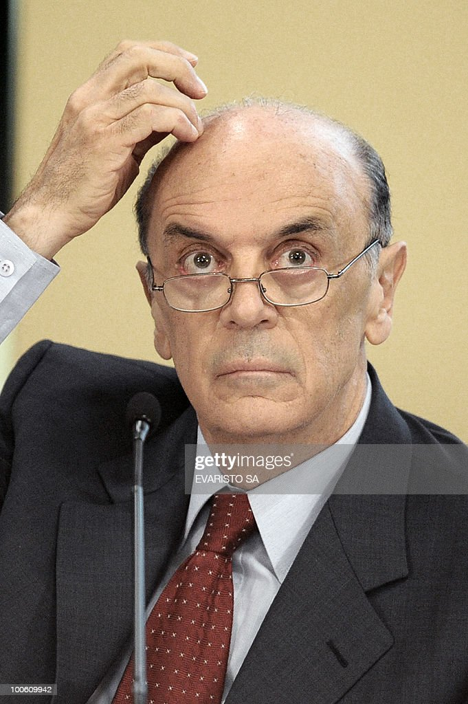 Brazilian Presidential candidate Jose Serra, from the Brazilian Social Democratic Party (PSDB) during a debate with businessmen in Brasilia, on May 25, 2010. Brazil's presidential election will be held October 3, with a run-off between the top two candidates on October 31 if one does not get more than half of the vote. AFP PHOTO/Evaristo SA
