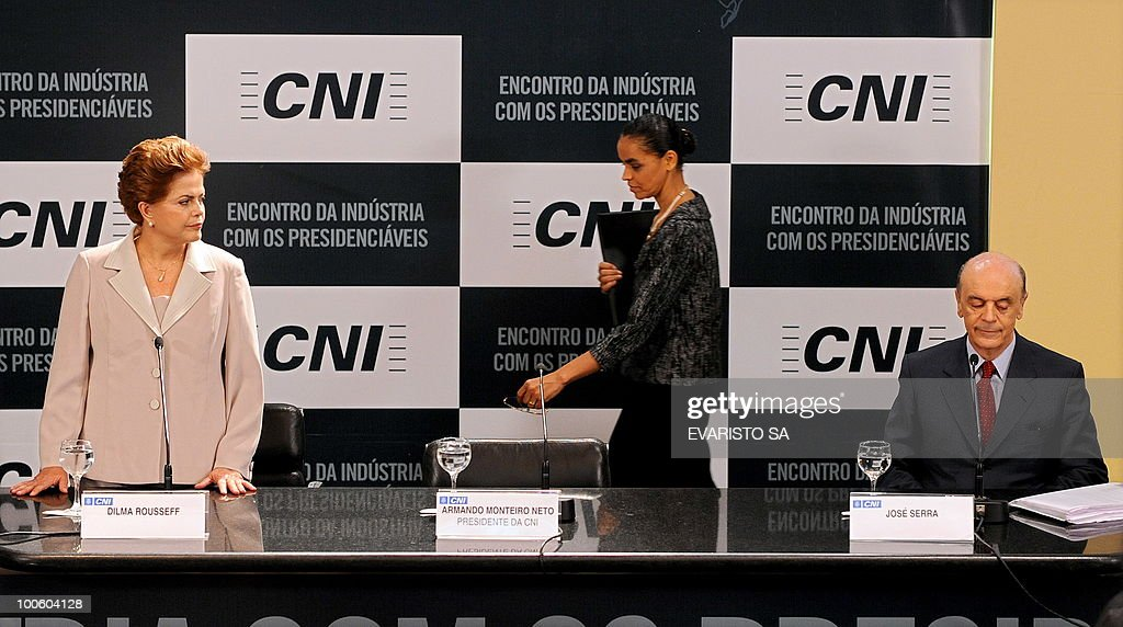 Brazilian Presidential candidates Jose Serra (R), from the Brazilian Social Democratic Party (PSDB), Marina Silva (C), from the Green Party (PV) and Dilma Rousseff (L), from the Workers Party (PT) arrive for a debate at the National Industry Confederation, in Brasilia, on May 25, 2010. Brazil's presidential election will be held October 3, with a run-off between the top two candidates on October 31 if one does not get more than half of the vote. AFP PHOTO/Evaristo SA