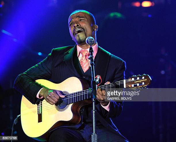 Brazilian singer Alexandre Pires performs at the 2008 Latin Recording Academy Person of the Year awards tribute to Gloria Estefan held at the George...