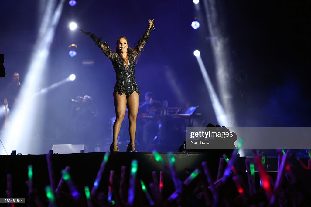 Brazilian singer Ivete Sangalo performs in US singer Ariana Grande replacement for the 2nd consecutive day at Rock in Rio Lisboa 2016 music festival in Lisbon, Portugal on May 29, 2016.