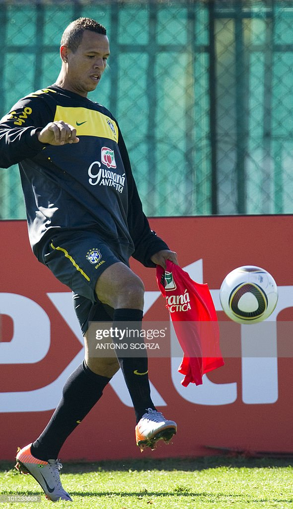 Brazilian soccer forward Luis Fabiano takes part in a practice session in Johannesburg on May 28, 2010 in Johannesburg ahead of the June 11 to July 11 FIFA World Cup in South Africa.