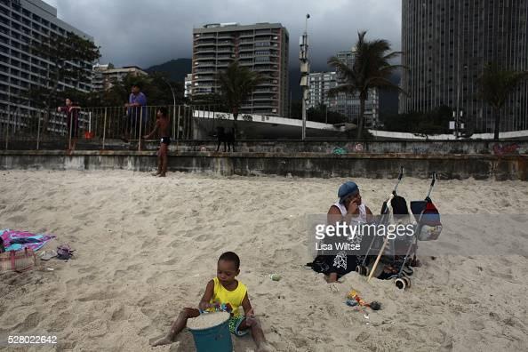 Families spend the day on Sao Conrado beach in Rio de Janeiro Brazil July 14 2010 Photo by Lisa Wiltse