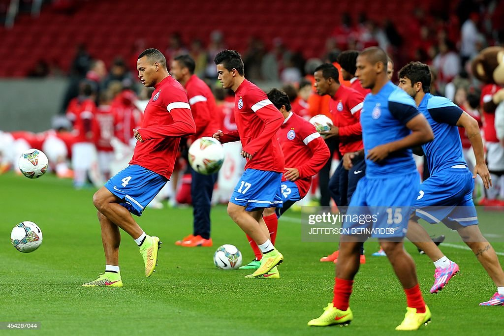 Brazil's Bahia players warm up before their Copa Sudamericana football match against Brazil's Internacional at Beira Rio stadium in Porto Alegre, Brazil on August 27, 2014